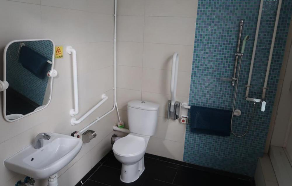 洗手间 / 浴室